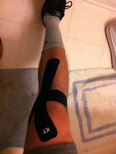 KT Tape medial knee pain application
