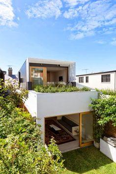 Best Ideas For Modern House Design & Architecture : – Picture : – Description Sydney terrace house opens to nature: Bondi House by Fearns Studio Terraced House, Future House, Design Exterior, Modern Exterior, Facade House, House Facades, House Exteriors, Home Fashion, Architecture Design
