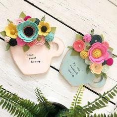 """Michelle on Instagram: """"I think it's about time I bring these cuties back! Also....Sunday, I love you so much! Have a great one my friends!❤️"""" Paper Flowers Diy, Felt Flowers, Flower Crafts, Fabric Flowers, Felt Crafts Diy, Felt Diy, Paper Crafts, Mothers Day Crafts, Crafts For Kids"""
