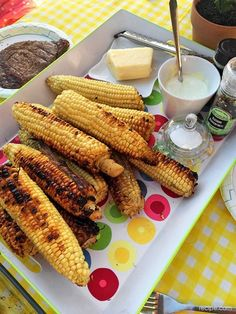 Get out the grill and serve up a DIY grilled corn bar for your next party or family meal. Vegetable Dishes, Vegetable Recipes, My Recipes, Favorite Recipes, Diy Grill, Portable Food, Baking Party, Cooking On The Grill, Summer Bbq