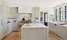 A Los Angeles, California canyon family home designed by Amber Lewis of Amber Interiors. Classic Kitchen, New Kitchen, Kitchen Decor, Kitchen Ideas, Kitchen Layout, Country Kitchen, Cheap Kitchen, Kitchen Modern, Updated Kitchen