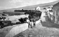 Old photograph of the popular resort Puerto de la Cruz, Tenerife. This walkway by the sea is now absolutely full of restaurants, shops & bars.