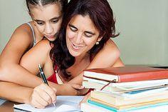 Studieren mit Kind - Tipps und Informationsquellen:  http://karrierebibel.de/studieren-mit-kind-zwischen-kinderbett-und-hoersaal/