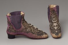 1840-?0, the Netherlands - Pair of women's elastic side boot - Silk satin with gilt metal embroidery and seed pearls over parchment, cotton lined, and leather heel and sole