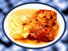 TELECÍ HRUDÍ SE ZELENINOU (Recept z třicátých let minulého století) Curry, Let It Be, Ethnic Recipes, Food, Curries, Essen, Meals, Yemek, Eten