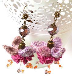 Pendientes flor extravagante aretes de flor morada por Marmotescu