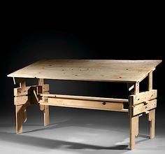 Enzo MARI (Né en 1932) Table à hauteur variable modèle G - création 1974 Pin naturel