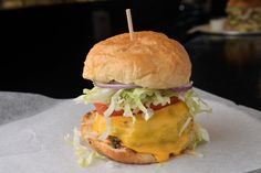 $20 DINER | This Leesburg spot crafts some beautiful — and hefty — burgers.