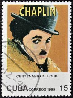 CUBA - CIRCA 1995: Un sello impreso en Cuba muestra a Charles Chaplin, Charlot, circa