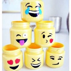 Add some color on your desktop by using these cute DIY emoticon jars to store your office supply! Get inspired by @ourmessytable! #kawaiibox #kawaii #emoticons