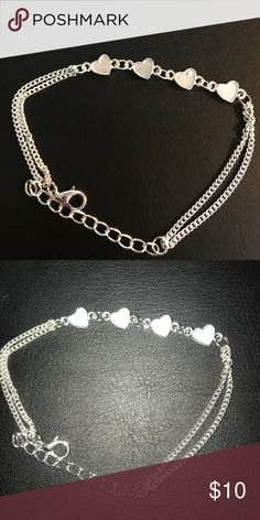 Ankle bracelet super cute Ankle bracelet super cute feel free to hit the offer button if interested! Accessories