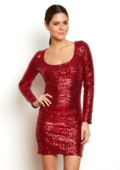 love the sparkly look for a holiday party. not that i could pull this off, but i would love it if i could! :-)