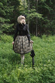 This outfit is cute. But, I like it better w/o the tights. Harajuku Fashion, Lolita Fashion, Dark Fashion, Fashion Beauty, Gothic Lolita, Lolita Style, Japanese Street Fashion, Sweet Dress, Geek Chic