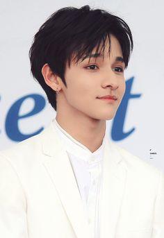 Seventeen Samuel, Cute Candy, Korean Name, Reality Tv Shows, Pop Singers, Garnet, Kdrama, Robin, Rapper