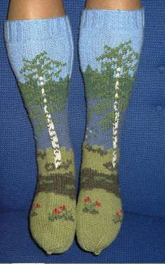 Finnish landscape in woolly socks Fair Isle Knitting, Knitting Socks, Loom Knitting, Hand Knitting, Knitting Patterns, Crochet Patterns, Knit Socks, Knitted Slippers, Slipper Socks