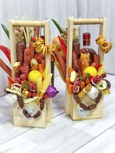 Best Ideas For Gifts Baskets Food Creative Gift Baskets, Food Gift Baskets, Gift Baskets For Men, Creative Gifts, Food Bouquet, Candy Bouquet, Food Gifts, Diy Gifts, Diwali Gift Hampers