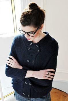 sweater with button detail // les composantes