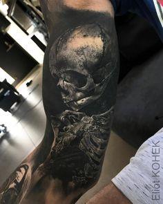 skull tattoo from @eliot.kohek