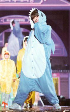 // BTS - baby shark dududududududu XD he is so cute Foto Bts, Bts Photo, Bts Boys, Bts Bangtan Boy, Jikook, Mochi, Jimi Bts, Kpop, Park Jimin Cute