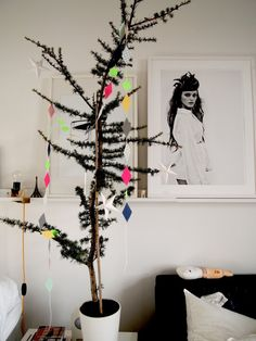 10 Fresh, Bright & Modern Christmas Decorations You Can DIY This Holiday Season