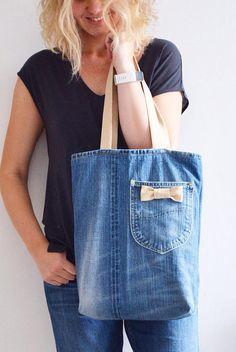 Best 12 Denim purse , Recycled bow purse – Eco friendly handbag – denim bow bag – up cycled blue jean purse – – SkillOfKing. Denim Tote Bags, Denim Purse, Bow Purse, Bow Bag, Jean Diy, Artisanats Denim, Canvas Shopper Bag, Denim Ideas, Denim Crafts
