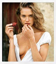 Natalia Vodianova, Editorial Photography, Fashion Photography, Photo Recreation, Beachy Hair, Bare Face, European Summer, Model Agency, Photo Sessions