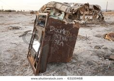 An old oven rots at the Salton Sea, CA. The Bombay Beach area was once a vibrant resort in the Salton Sea California, California Usa, Chernobyl Nuclear Power Plant, Ocean Home Decor, Haunting Photos, Hotel Spa, Abandoned Places, Beach, Creepy