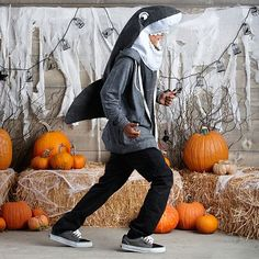 my little friend Logan wants me to help turn him into a shark for halloween Shark Costumes, Diy Costumes, Cosplay Costumes, Halloween Costumes, Costume Ideas, Tween Gifts, Gifts For Teens, Destiny Cosplay, Cool Sharks