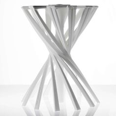 The Daily New: One Shot Laser Sintered Stool by Patrick Jouin. 3d Printing Business, 3d Printing Industry, Modern Furniture, Furniture Design, 3d Printed Objects, Digital Fabrication, Folding Stool, Design Model, Chair Design