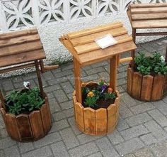 Those who love gardening know the ideas with which they can make the garden look adorable, but here we have an idea for those who are not much interested in gardening; but want to decorate the lawn. The pallet planter idea is nice which you can see yourself.