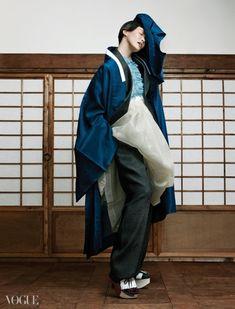 여자들의 마음을 흔드는 코리안 팬츠 룩 | Vogue.com