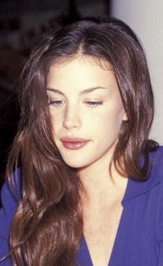 Liv Tyler - she looks life a elf in real life Liv Tyler Hair, Liv Tyler 90s, Liv Tyler Style, Alissa Salls, Elfa, Steven Tyler, Most Beautiful Women, Pretty Face, Pretty People