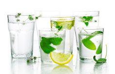 Algunas bebidas bajas en calorías son mejores que el agua para adelgazar