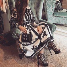 Folk Fashion, Hijab Fashion, Winter Fashion, Fashion Dresses, Womens Fashion, Designer Wear, Designer Dresses, Ukrainian Dress, Ethno Style