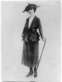1918, suit