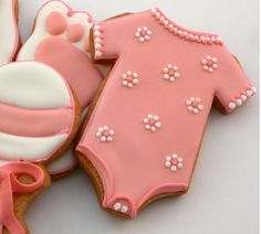 Galletas - Cookies - Girl Baby Shower, this could be so fun to give out to people when announcing the gender and/or baby shower Baptism Cookies, Baby Cookies, Baby Shower Cookies, Iced Cookies, Cut Out Cookies, Cute Cookies, Royal Icing Cookies, Cupcake Cookies, Sugar Cookies