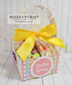 Paper baskets made with printable backgrounds ~ Sam Calcott, Mixed Up Craft Easter Projects, Easter Crafts, Paper Purse, Gift Bags, Treat Bags, Paper Basket, Hello Spring, Last Minute Gifts, Easy Gifts