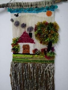 Decorating with wool! Weaving Wall Hanging, Weaving Art, Weaving Patterns, Tapestry Weaving, Loom Weaving, Hand Weaving, Rya Rug, Diy Y Manualidades, Diy Wind Chimes