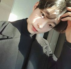 He is so handsome, he is my style, Cute Asian Guys, Cute Korean Boys, Asian Boys, Asian Men, Cute Guys, Korean Boys Ulzzang, Korean Men, Ulzzang Girl, Beautiful Boys
