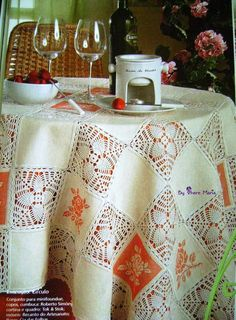 """TABLECLOTH """"patchwork."""" Fabric, embroidery, knitting"""