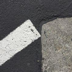 #Oakland #asphaltart #lineart #parkinglot #urban #urbanart #urbanarcheology #pavement #hardscape #streetart #modern #modernist #accidentalart #abstractart #abstract #art #sidewalkstamps #lookdown #unintentionalart #unexpectedart #learnminimalism #minimalist #minimal #uniminimal #asphaltart #asphaltography