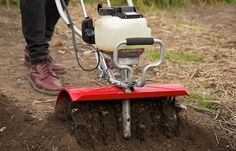 The Mantis XP Extra-Wide Tiller is Built for Bigger Yards and Gardens with a 16 Inch Tilling & Cultivating Width, Featuring a Premium Honda® Engine. Little Plants, Small Plants, Small Garden Tiller, Plant Classification, Digging Tools, Best Garden Tools, Garden Rake, Bean Plant