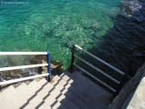 Takhle čisté moře je u Agios Nikolaos Garden Bridge, Outdoor Structures