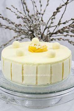 Tort cu mousse de mango si ciocolata alba/ Cake with mango mousse and white chocolate Mango Rum, Mango Mousse, Vanilla Sugar, Vanilla Cake, Melting White Chocolate, Chocolate Decorations, Cake Tasting, Take The Cake, Manga
