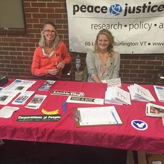 #PJCVT is at @rmhsvt for lunch today talking with students about #nonviolence #racialjustice #fairtrade #volunteering & more!