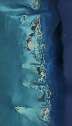 Satelital. From the Air. George Town and Cays,Bahamas