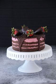 { Raw Vegan } Chocolate Strawberry Layer Cake   Sweet Talk