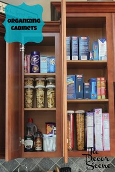 How To Organise Kitchen Cupboards #Storage #organization    http://www.laladecor.com/