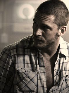 Everything about this picture is Soooo right. Tom hardy. Check. Pearl snap shirt. Check. Holy hawtness! Check!!!