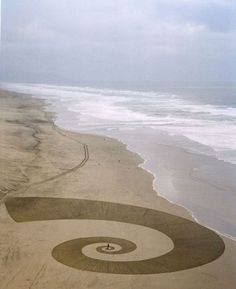 Andres Amador's Sand Art